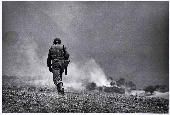 robert capa | war