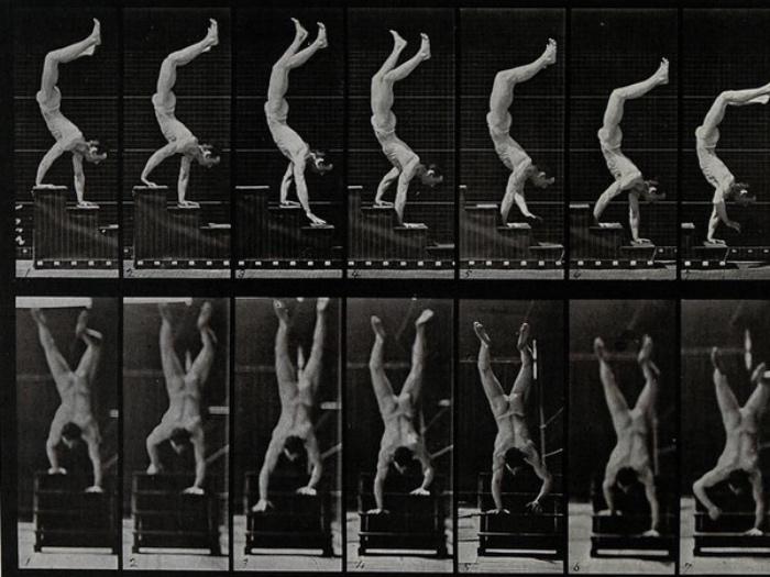 Edward Muybridge | uomo che cammina sulle mani