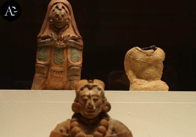 Statue Maya   mostre Verona