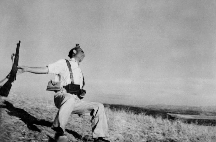 Robert Capa | morte di un miliziano
