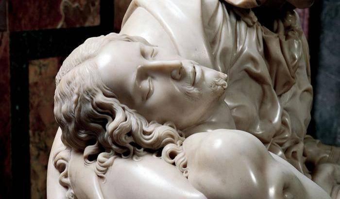 Pietà Michelangelo | dettaglio