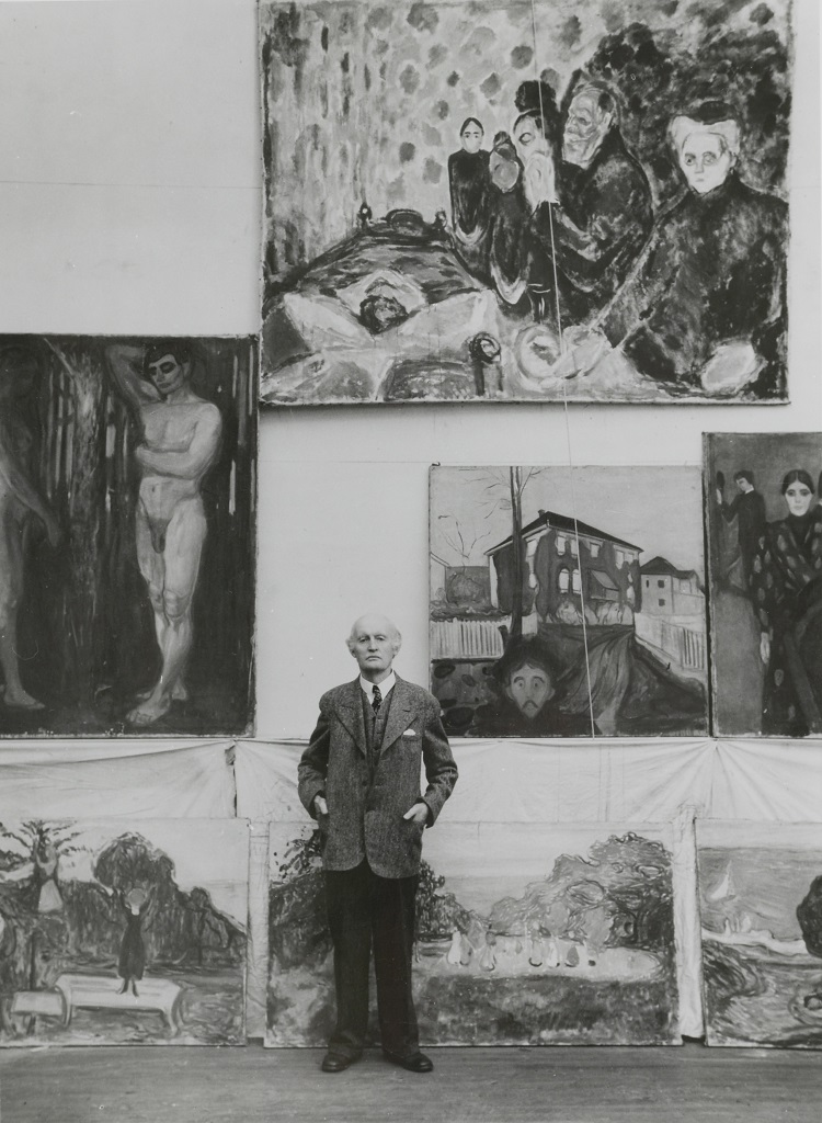 Edvard Munch nello studio d'inverno a Ekely, 1938 ca. Foto Ragnvald Væring, originale negli archivi del Munch Museet.