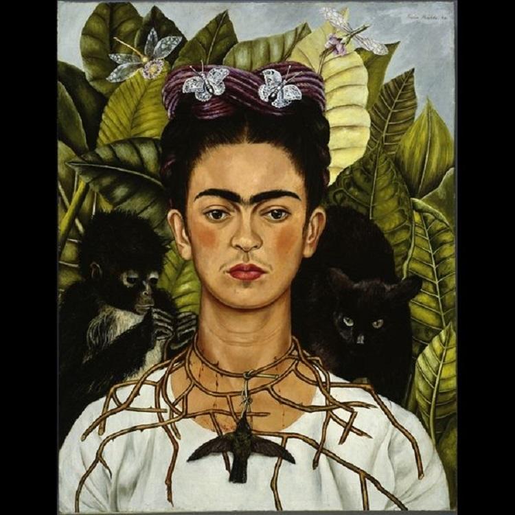 Frida Kahlo, Autoritratto con collana di spine, 1940. © Nickolas Muray Collection, Harry Ransom Center - The University of Texas at Austin