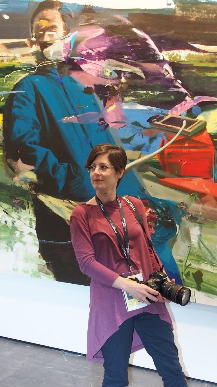 Io e un'opera di Giuseppe Gonella. Qui ero entusiasta come una bambina davanti a un barattolo di Nutella,