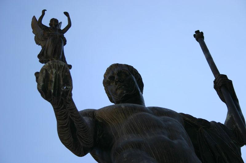 IMG_3988_-_Canova_-_Napoleone_Bonaparte_-_Milano,_Cortile_del_Palazzo_di_Brera_-_Foto_Giovanni_Dall'Orto_19-jan_2007
