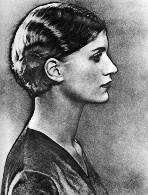 Lee Miller profile by Man ray