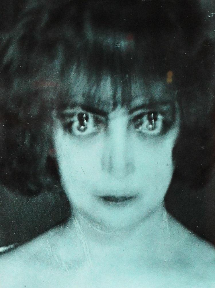 Il ritratto di Luisa Casati Stampa realizzato da  Luisa Casati Stampa