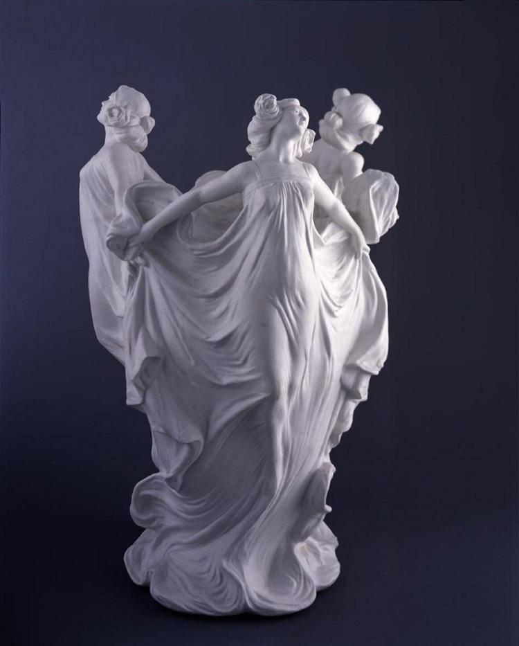 Manifattura Richard Ginori, Fioriera con tre figure danzanti, 1902. Sesto Fiorentino, Museo Richard Ginori della manifattura di Doccia