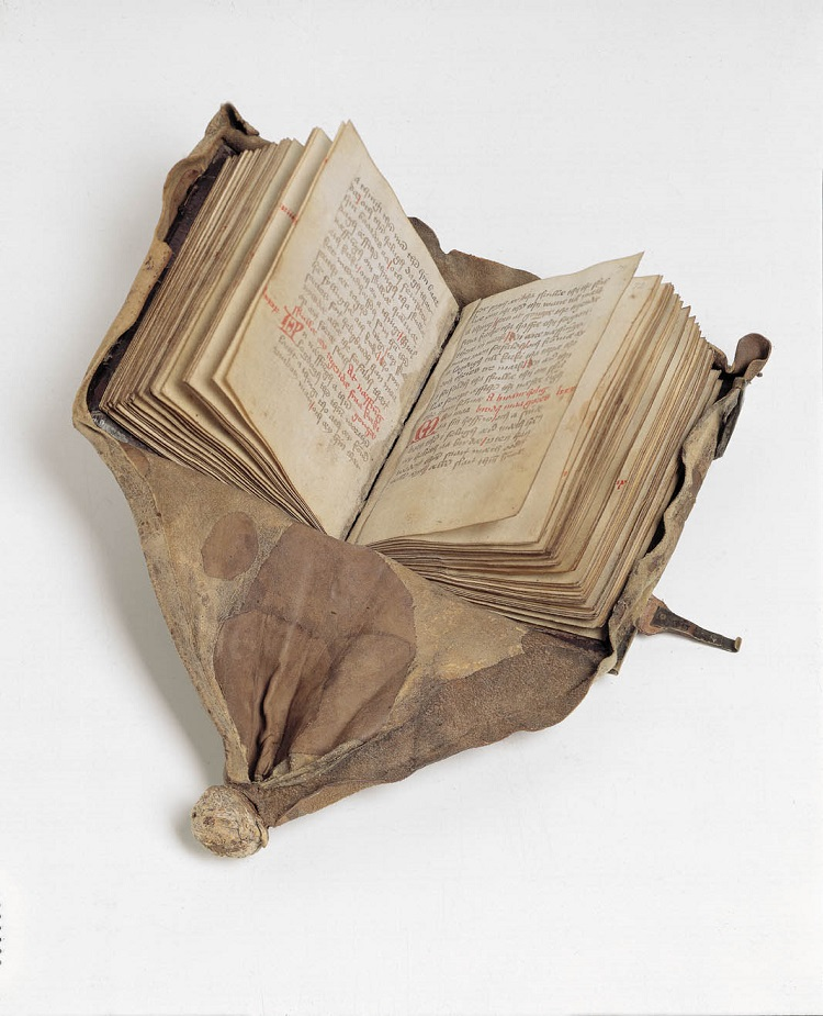 The Law of Jutland - Libro giuridico da cintura  Danimarca, testo 1490 circa, legatura 1530 circa  Pergamena e cuoio  Copenaghen, The Royal Library