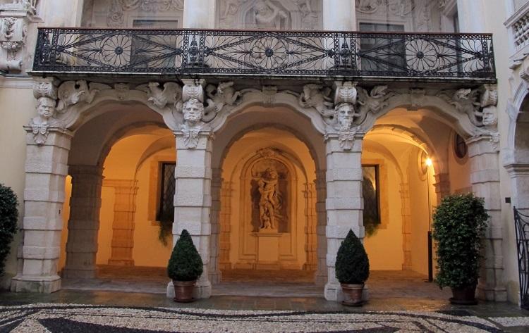 Palazzo Leoni Montanari 2