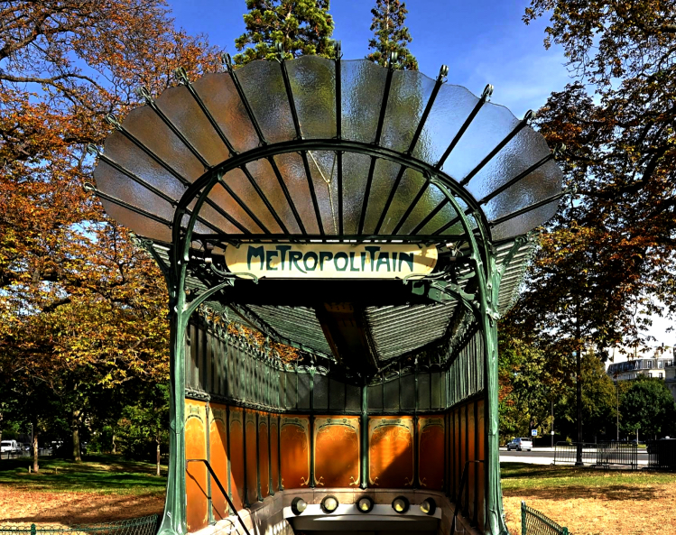 Architettura art nouveau nella metropolitana di parigi for Architettura a parigi