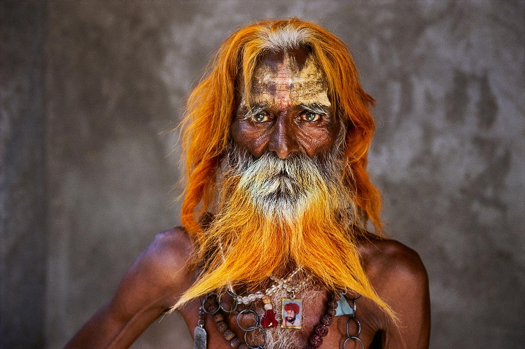 Un uomo anziano della tribù Rabari, Rajasthan, 2010 (An elderly man from the Rabari tribe, Rajasthan, India, 2010) ©Steve McCurry