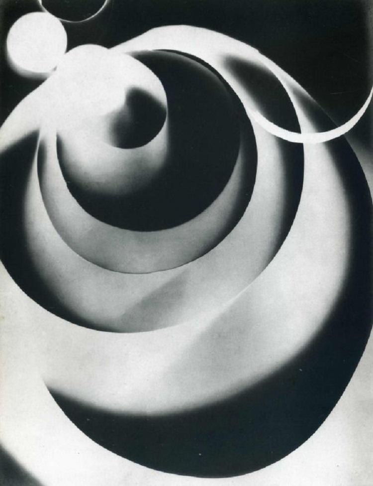 Rayografia di Man Ray